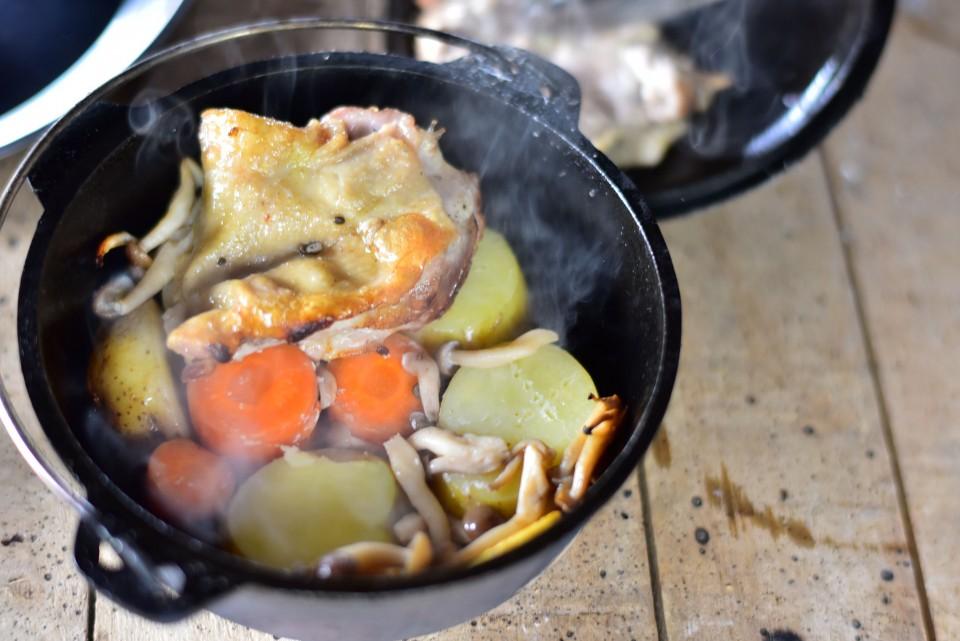 塩作りとダッチオーブンランチ体験