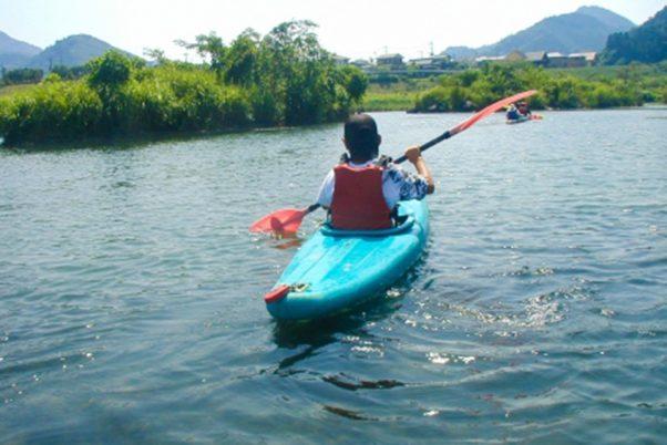 川内川でカヌー体験