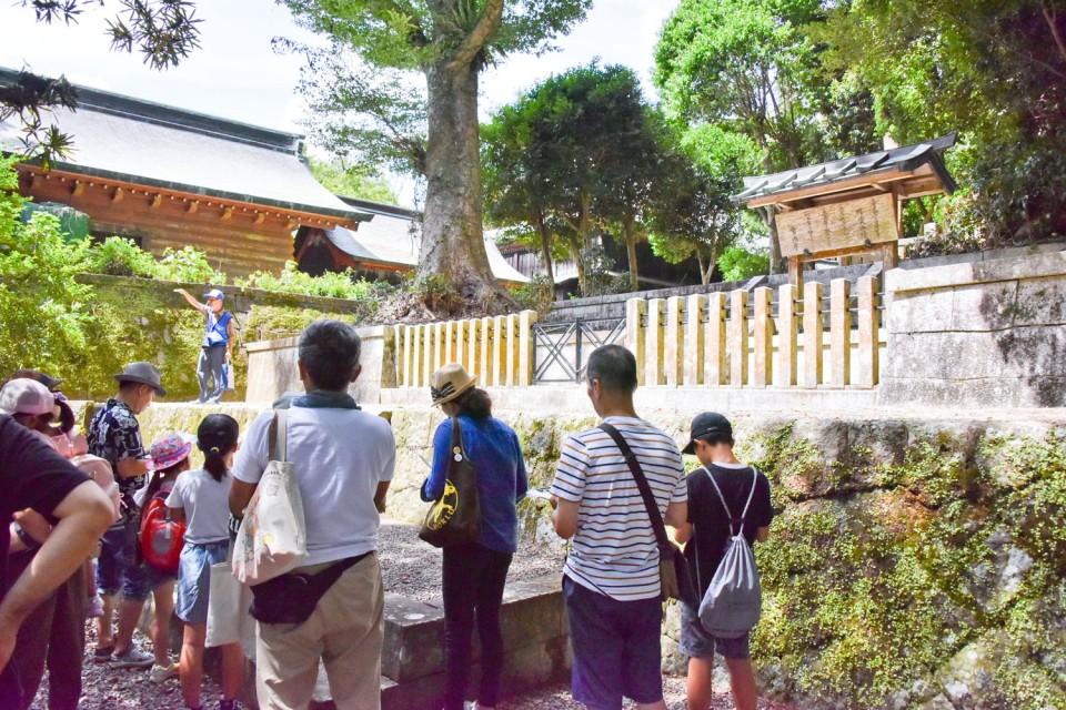 新田神社や可愛山陵などがある神亀山を探検03